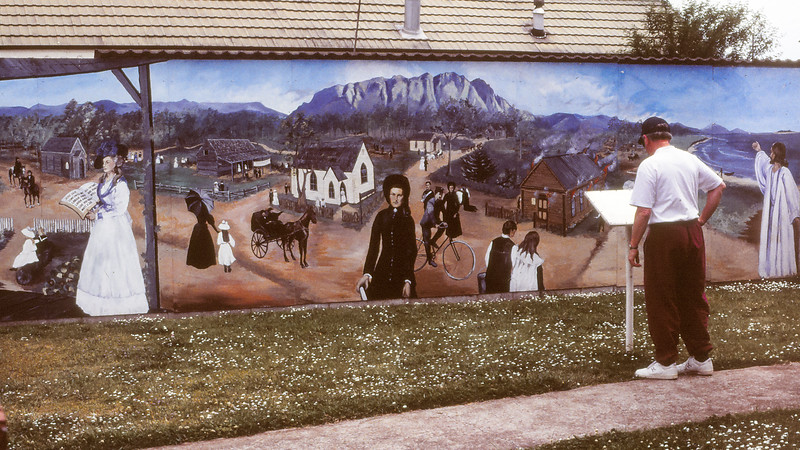 Early Christian Heritage - Wall Murals at Sheffield, 9 December 1995; , Sheffield, Tasmania, Australia. Photos by Des Thureson, scanned from 35mm transparencies.