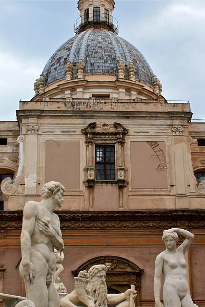 Fontana Pretoria with Santa Caterina