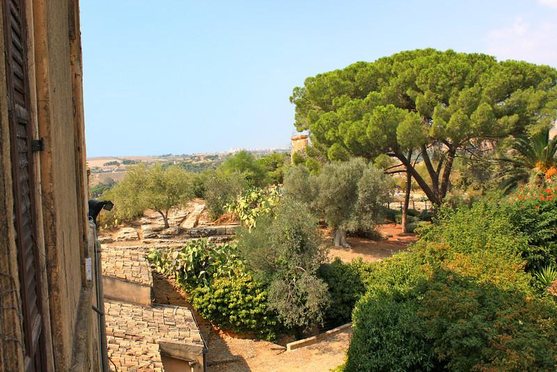 Alexander Hardcastle's Villa Aurea gardens...onsite.