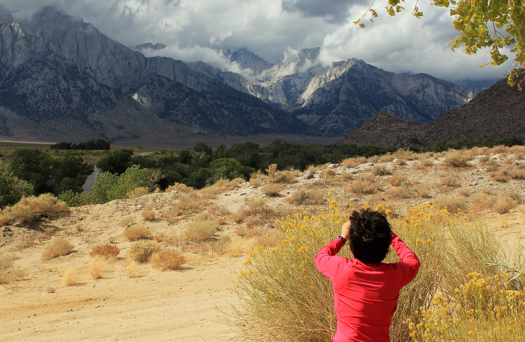 with all the weather coming in, we headed out for... Alabama Hills !! (That's Whitney in Kay's sights)