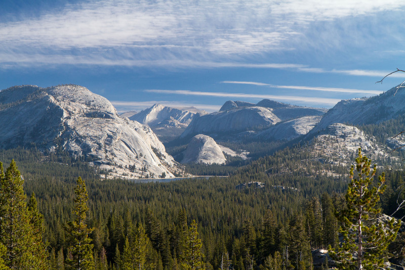 The eastern part of Yosemite has granite rock formations similar to the more widely recognized Yosemite valley, thanks to similar glacier action.