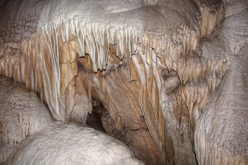 Sheet formations, Crystal Cave