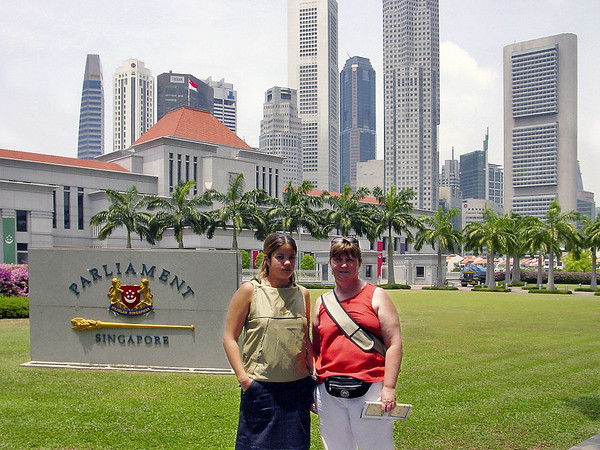 Lan and Gill in front of Parliament House Singapore - Aug 2002