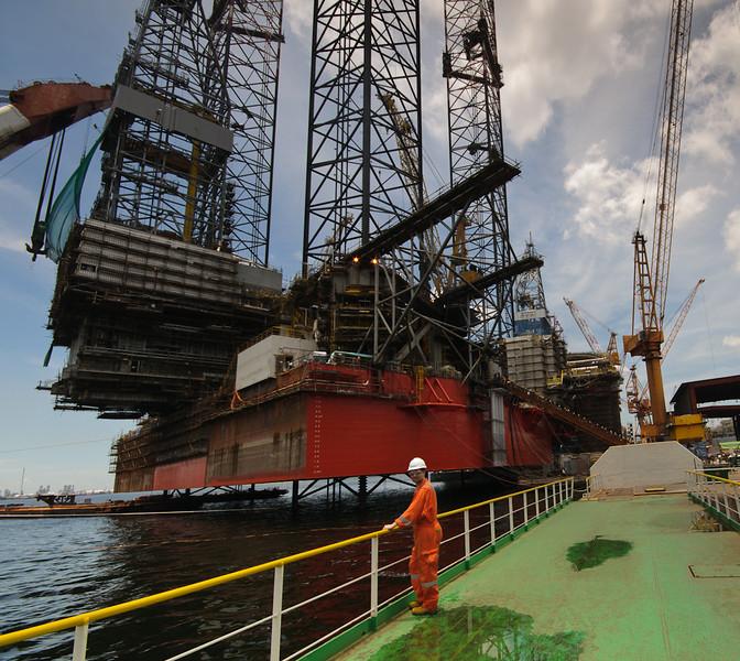 Me infront of the new West Elara at Jurong shipyard