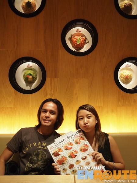 Marcos of Ambot-ah.com with Hanna at Pasta de Waraku for dinner