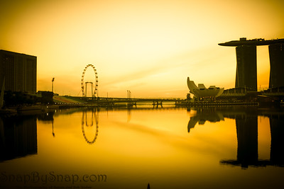 Dawn with the Singapore Flyer