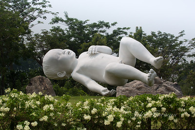 Planet by Marc Quinn, Gardens by the Bay