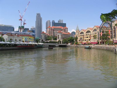 View back towards Clarke Quay, July 2006.  This was months before I discovered Brewerkz... the only place to get real beer...