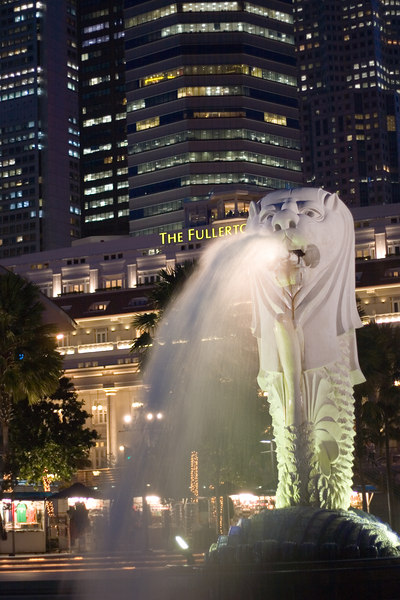 Merlion Statue - National Symbol of Singapore<br /> Singapore Nov 2006<br /> © WEOttinger, The Wildflower Hunter - All rights reserved<br /> For educational use only - this image, or derivative works, can not be used, published, distributed or sold without written permission of the owner.