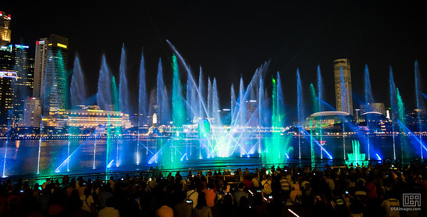 Marina Bay Sands' Spectra light and water show