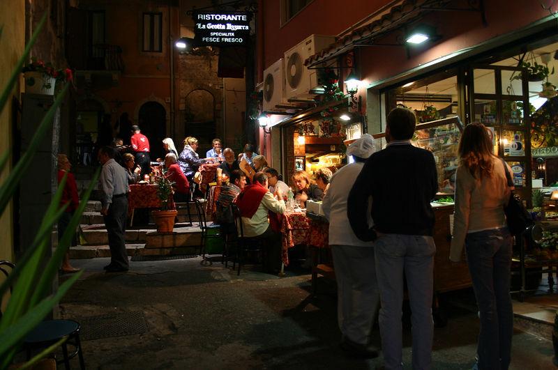 Parim restoran - La Grotta Bizzarra Taorminas