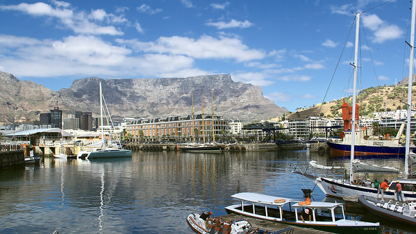 Victoria & Albert Waterfront with Table Mountain in the background, Cape Town, South Africa