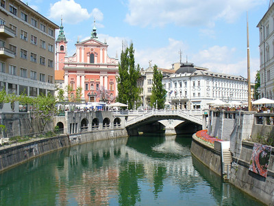 Like so many European cities, a river flows through it.  In Ljubljana, it's the Ljubljanica River.