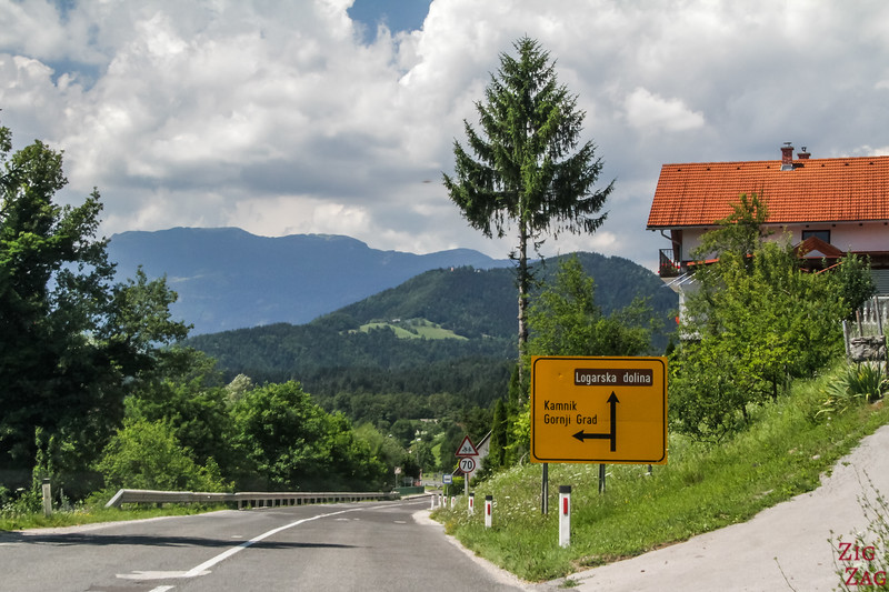 Slovenia driving rules
