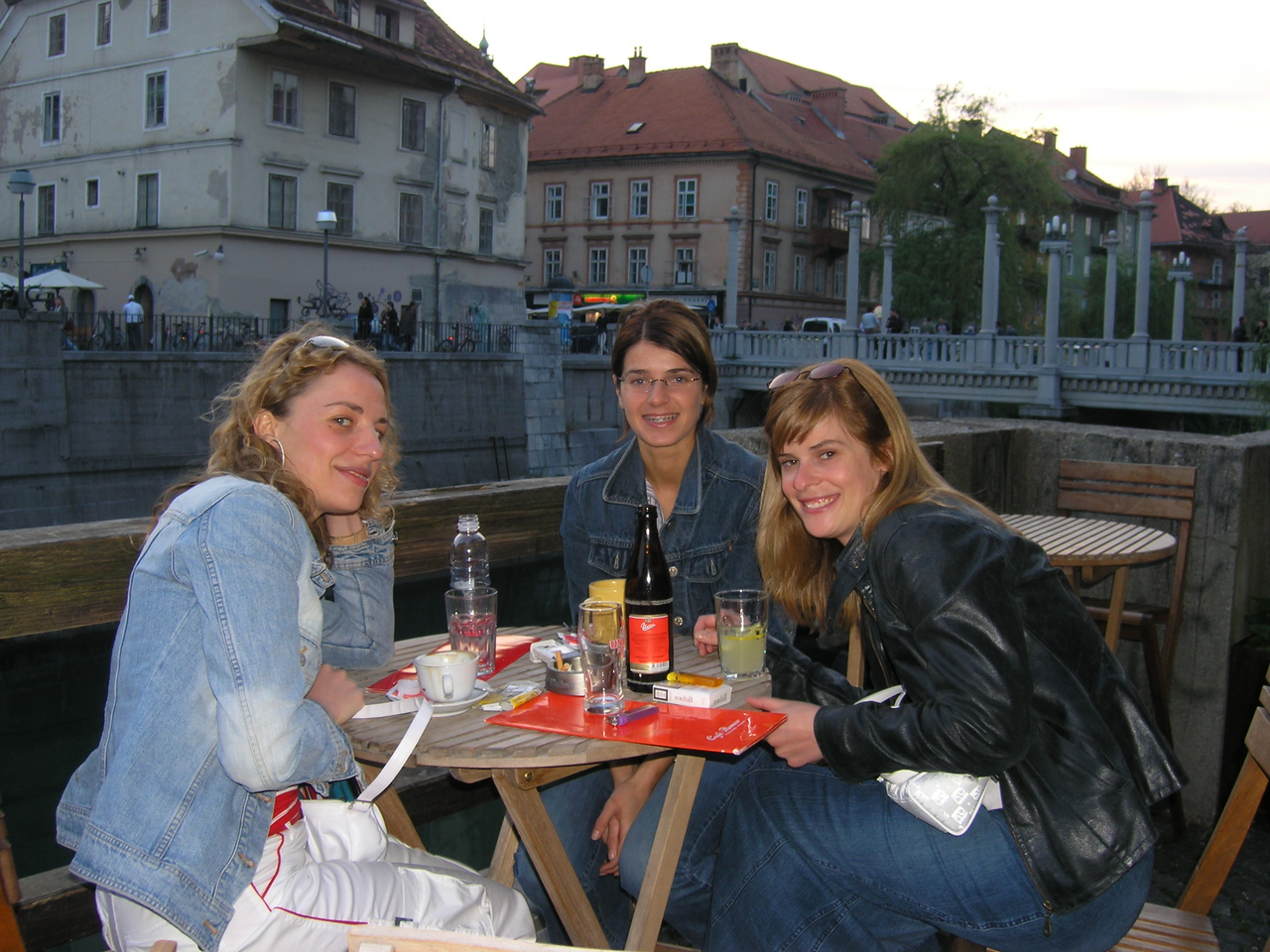Nejka, Ana and their friend