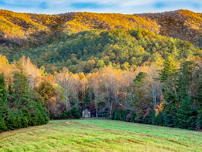 Cabin in the woods: Cade's Cove