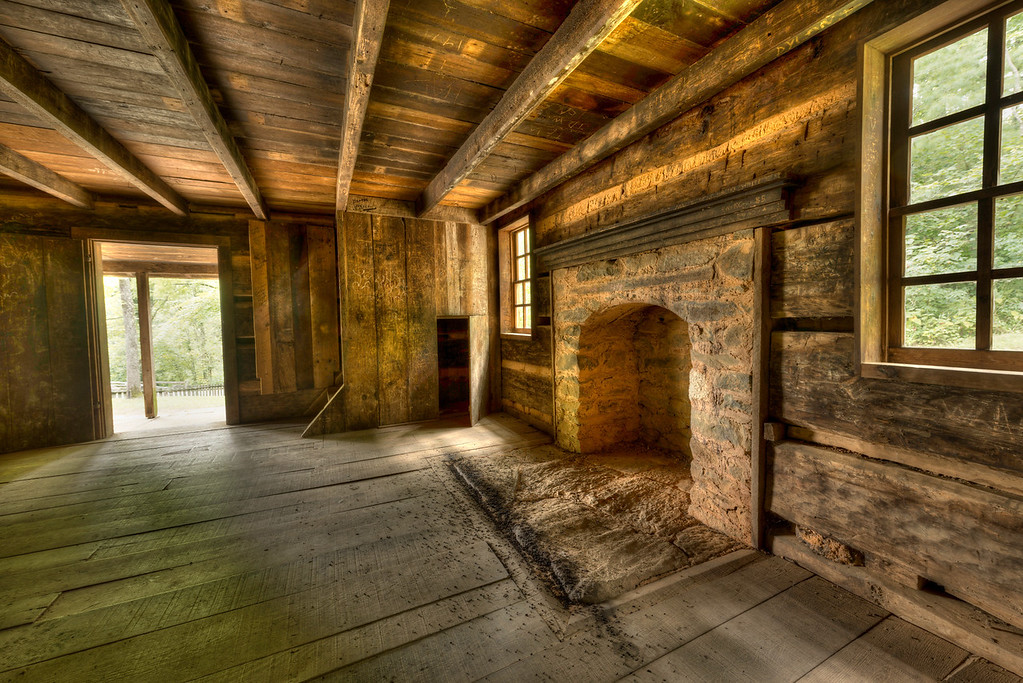 Old Log Cabin in Cades Cove