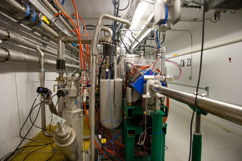 Linac tour - cryomodule end can
