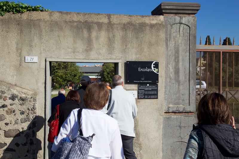 Herculaneum: Kate entering gate