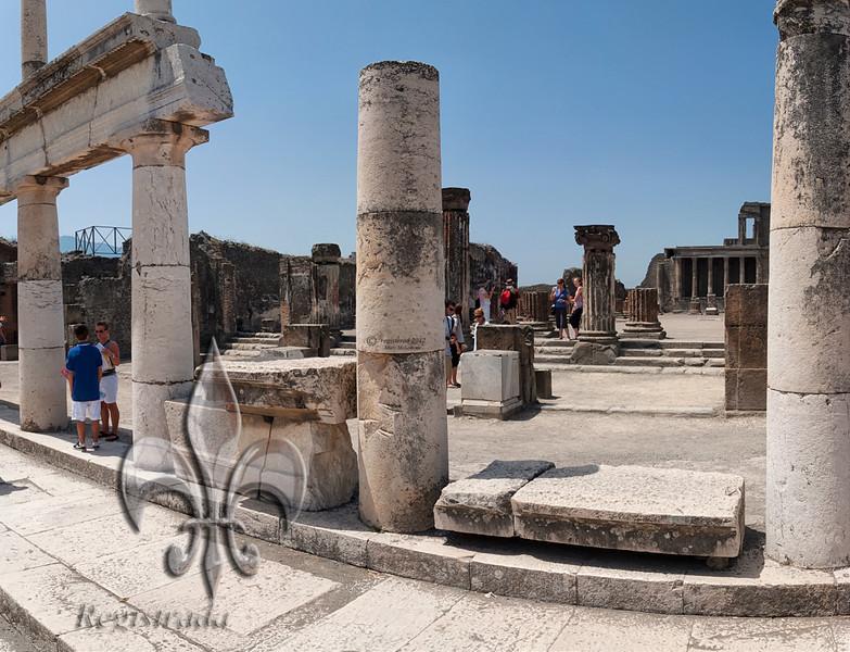 Pompeii pano 3