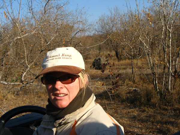 066 Leoni (our guide) with Rhino