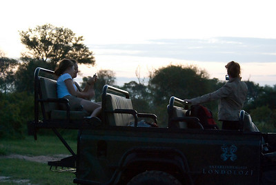 Hanging out in the Land Rover after sun downers in Londolozi