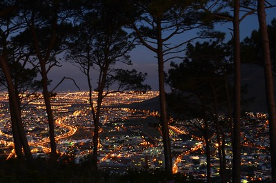 Cape Town city lights ……………….[ Copyright © 2011 - Photo by Barry Jucha ]