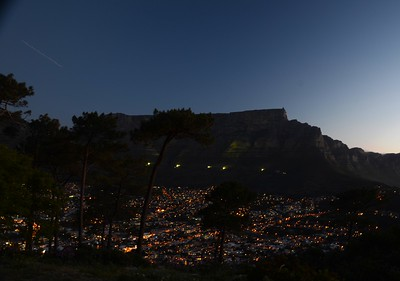 Table Mountain. Cape Town city lights. South Africa. ……………….[ Copyright © - Photo by Barry Jucha ]