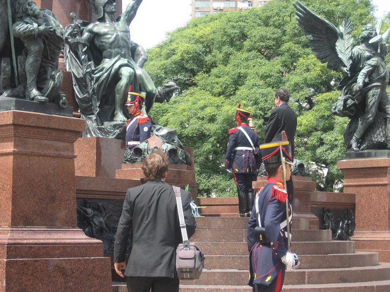Another view of the wreath-laying ceremony at the monument to San Martín.