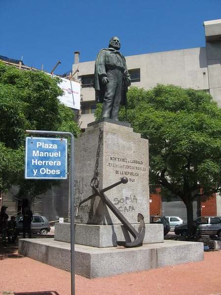 """Monument to Garibaldi """"The Hero of the Two Worlds"""", who commanded the Uruguayan navy before returning to Europe to unify Italy."""