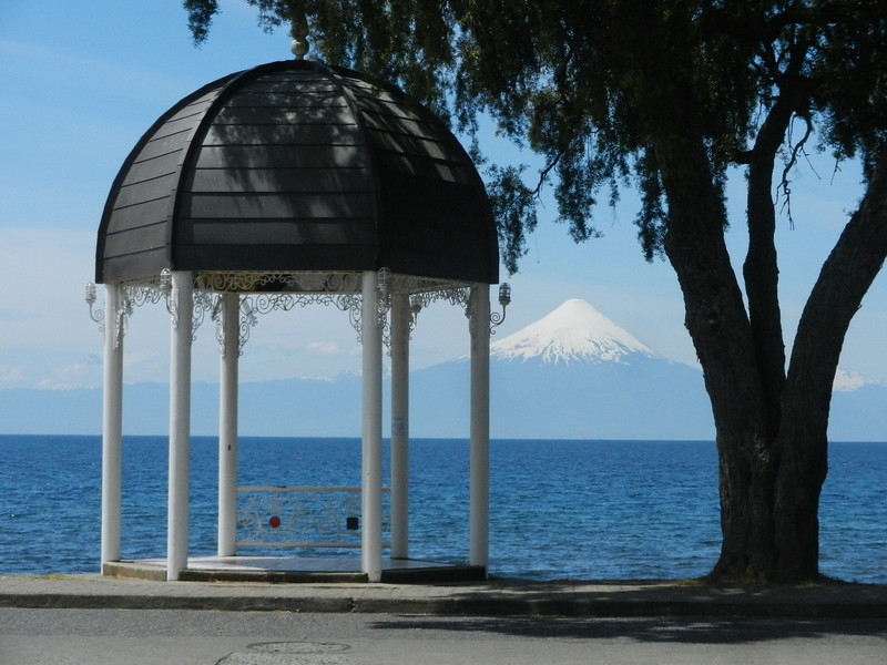 Frutillar was smaller, even more devoted to tourism, even cleaner and even more Germanic than Puerto Varas. It would be a great place for a rest, or makes a good half-day excursion from Puero Varas.