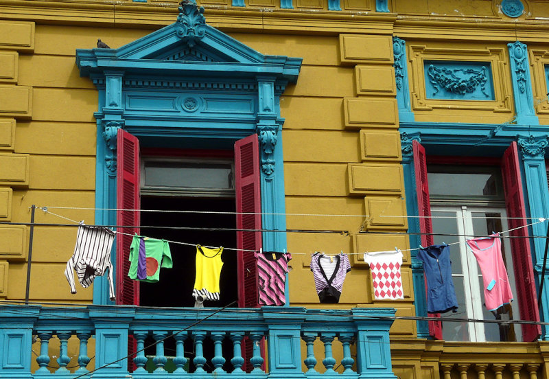Balcony in La Boca (94271171)