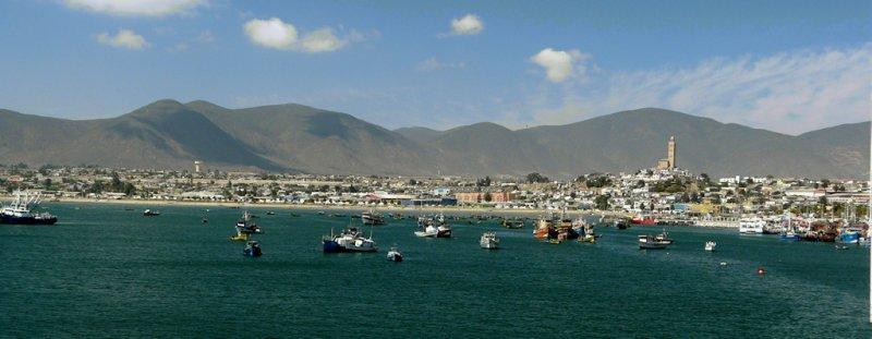 Harbor view of Coquimbo (94282279)