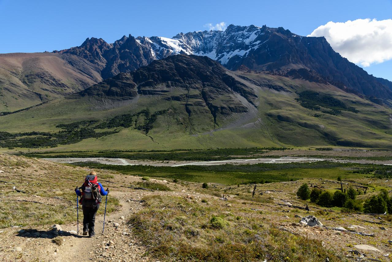 Descending towards Cerro Huemul and Rio Tunel