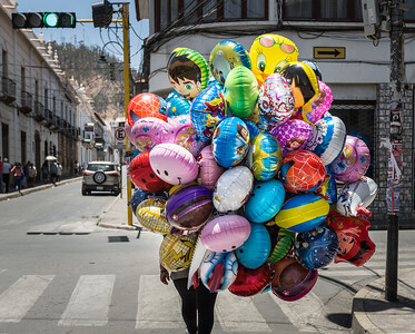 Street balloons ... Sucre