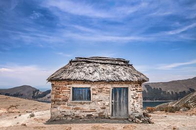 Abandoned hut ... Isla del Sol ... Lake Titicaca