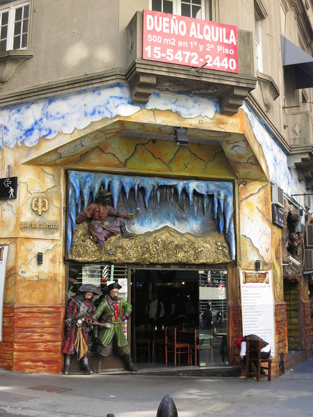 Pirate-themed restaurant in Buenos Aires
