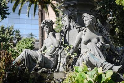 Statue ... Valparaiso