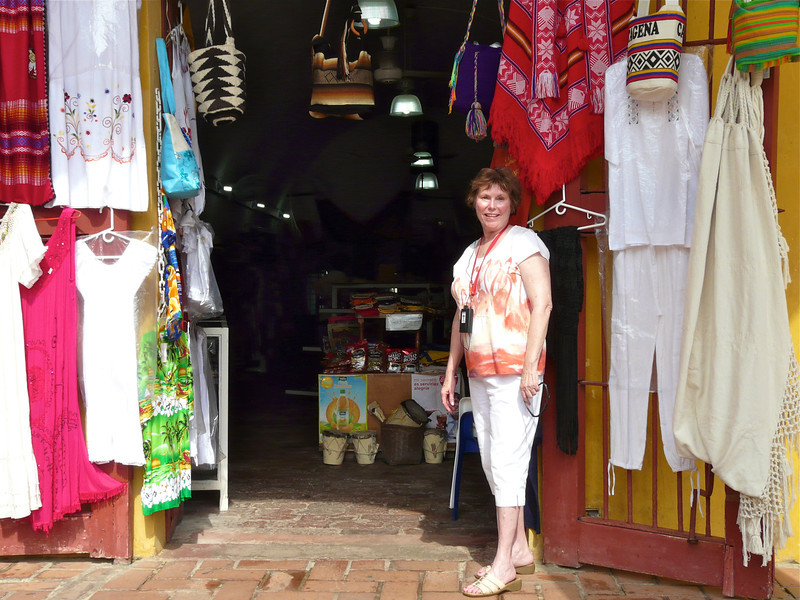 Shopping on a Silversea Cruise Excursion in Cartagena. #excursion #cartagena