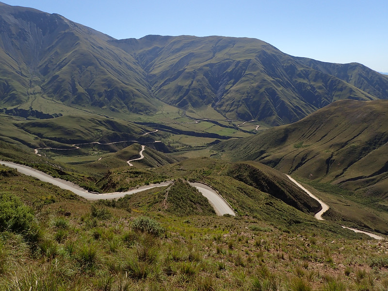 The twisting road to Cachi.