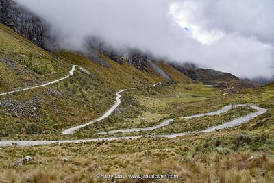 part of road at Abra Portachuelo