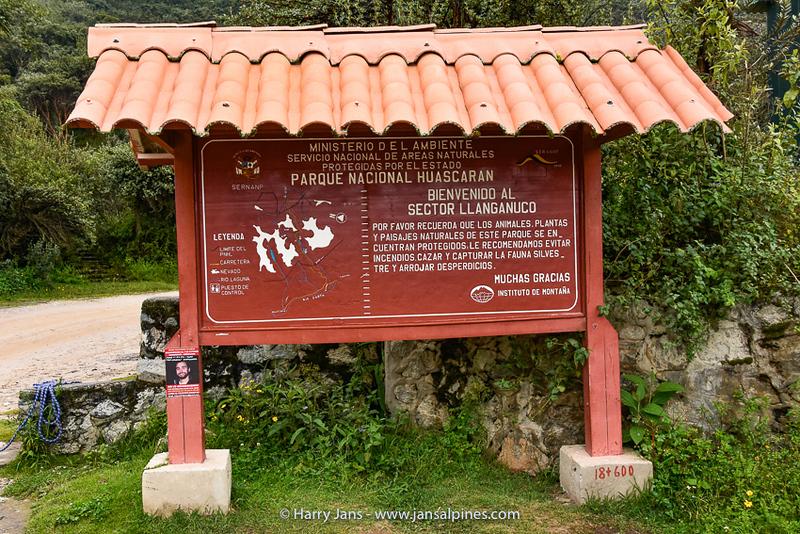 Áncash region Caraz,  Nat. Park Huascarán, 3450m