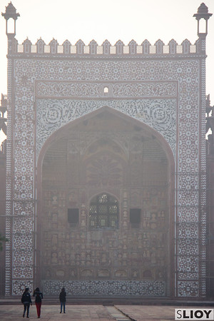 Touring yet another tomb: Akbar.