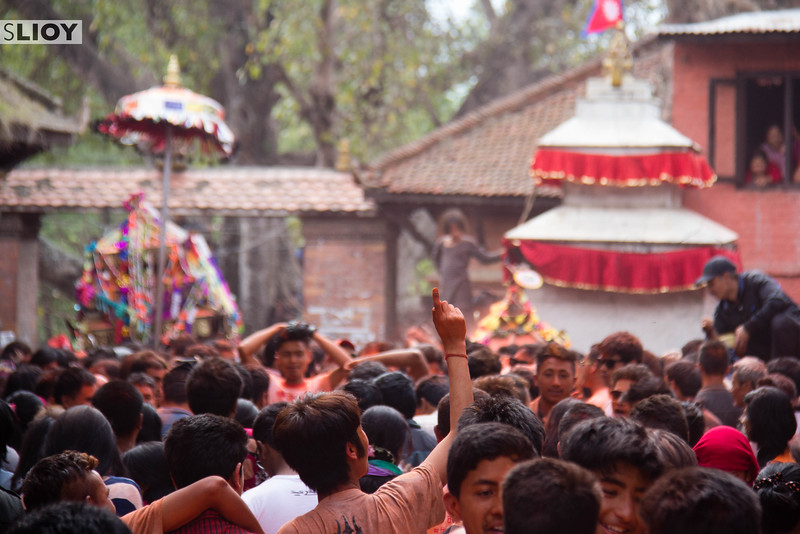 During both the Sunder Jatra and Bisket Jatra celebrations, music and dancing are a near-constant accompaniment to the heaving crowds.