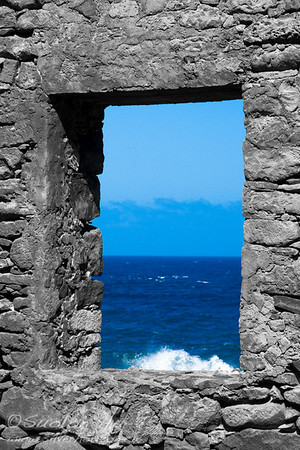 View of the Caribbean Sea at the Bushiribana Ruins in Aruba (blue)