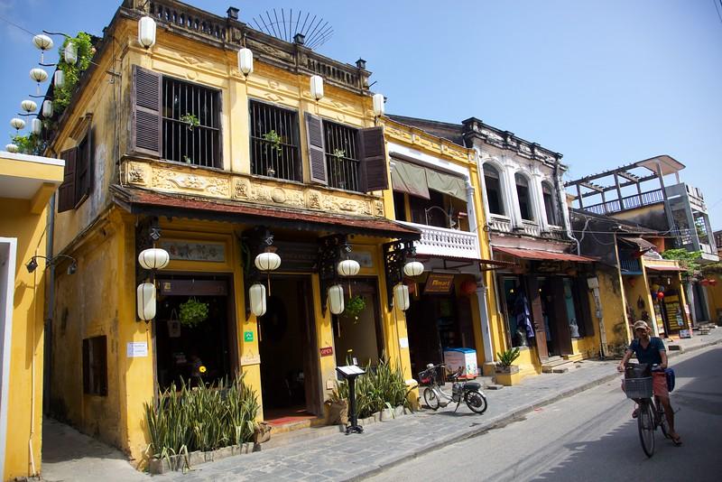 Hoi An street shops