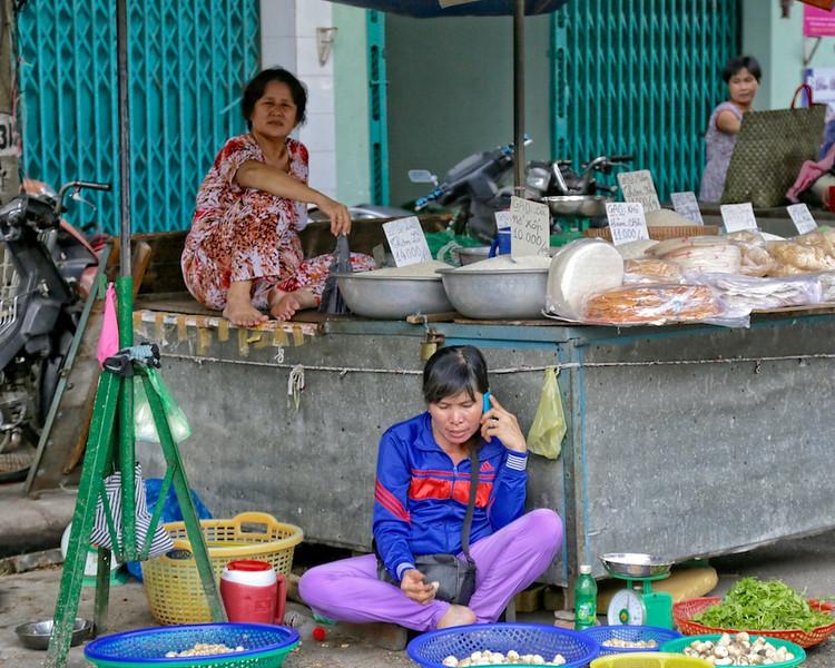 Vendor Chatting