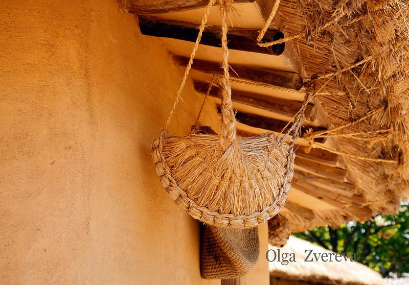 <p>Chiken Nest. Hahoe Folk Village, Andong, South Korea</p>