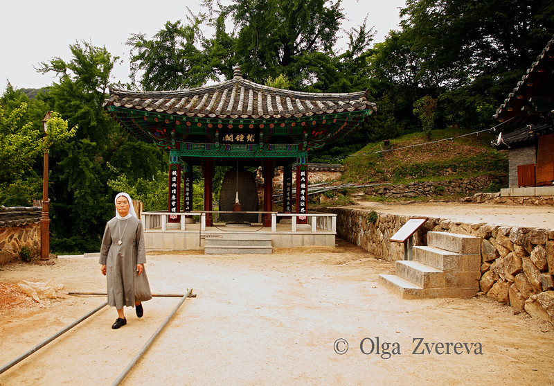<p>Nun at Temple. Bongjeongsa Temple, Andong, South Korea</p>