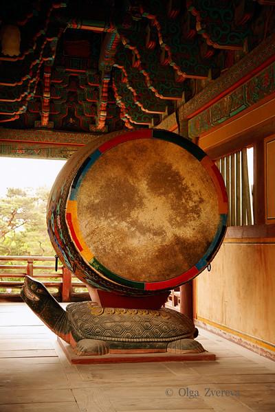 <p>Drum, Bulguksa Temple, Gyeongju, South Korea</p>
